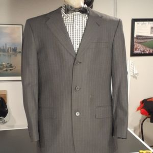 EUC Men Kenneth Cole New York Pin Striped Suit 39